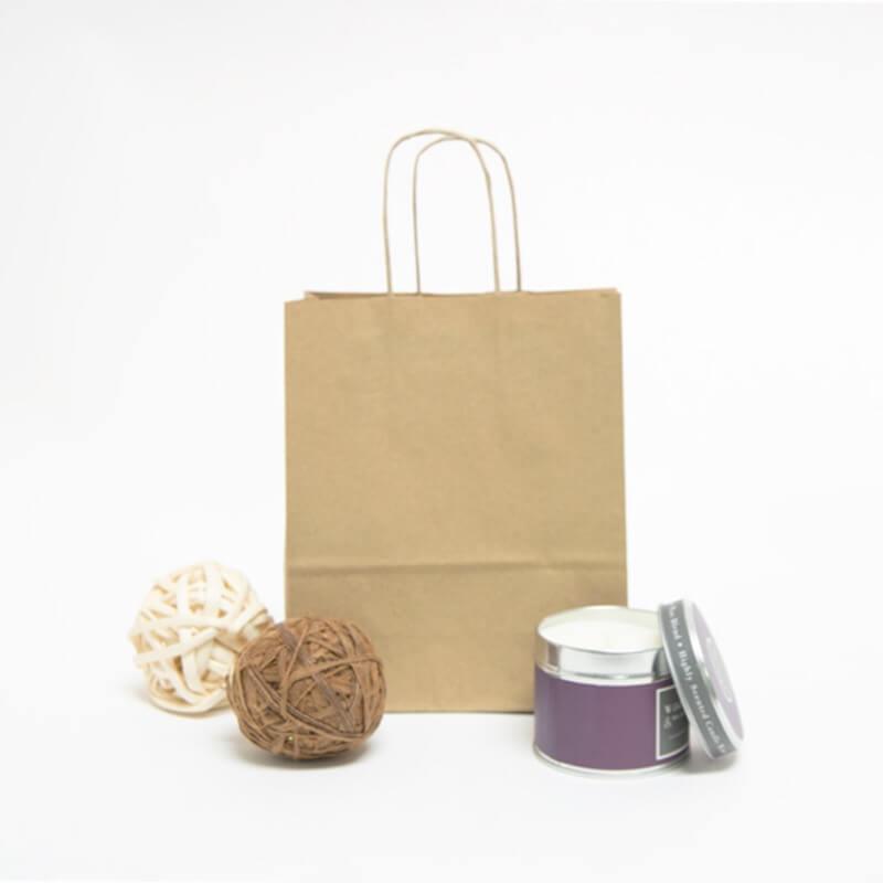standard tragetaschen aus recyceltem papier mit kordelgriffen braun rocaba. Black Bedroom Furniture Sets. Home Design Ideas